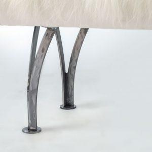 3004 – 32″ Split Leg Bench (Icelandic Fur)