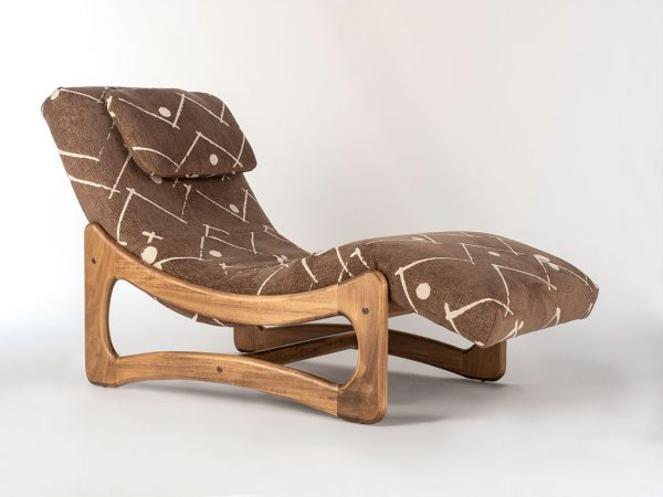 1924 Musketeer Driftwood Chaise Lounge